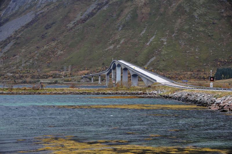 Brücke bei Klepstad, Lofoten Nature Outdoors Lofoten Lofoten Islands Lofoten Norway Bridge Over Water See Lake Lakeside Lake View Lakeview Berg