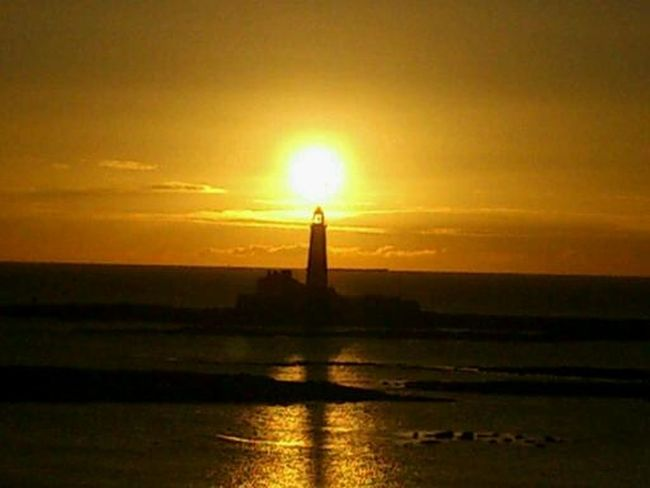 St marys lighthouse at sunrise. St Marys Lighthouse Whitley Bay Sunrise Uk Light And Shadow Uk Lighthouse Lighthouse_lovers Northtyneside North East England Northumberland NORTHEASTENGLAND North East Seascape Sea Sea View Sea And Sky The Purist (no Edit, No Filter)