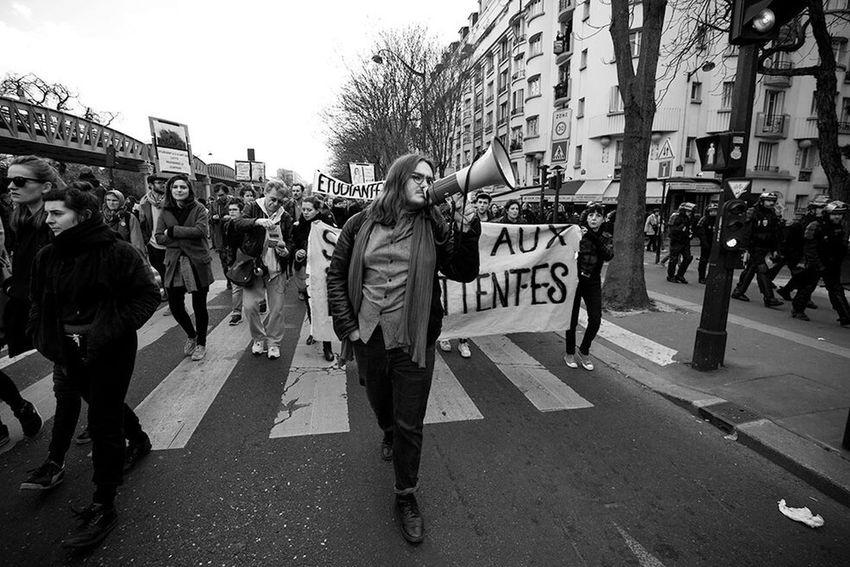 Durant la manifestation du 28 avril 2016 contre la Loi Travail et son monde à Paris, un cortège de soutien aux intermittant-e-s. Loi Travail Loi El Khomri Paris, France  Intermittents Revolution Photojournalist Photoreporter EventPhotography Photojournalism The Photojournalist - 2016 EyeEm Awards Elkhomri Convergence Des Luttes Loitravail Democracy Citoyenssolidaires Lutte Des Classes Bestoftheday Picoftheday Photooftheday