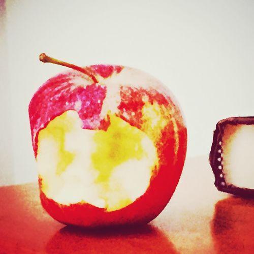 Apple a day First Eyeem Photo Appleaday Appleaddict Appleart Apples Apple Fruit