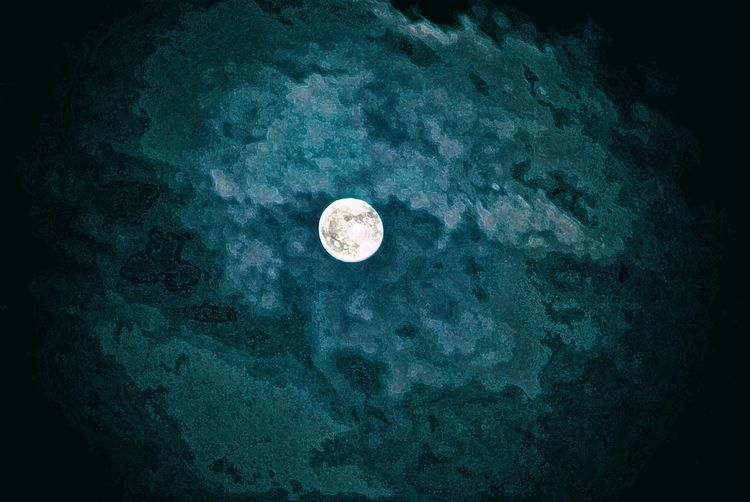 Astronomy Beauty In Nature Black Background Cloudy Cloudysky Full Moon Full Moon 🌕 Moon Night Nightphotography No People Outdoors