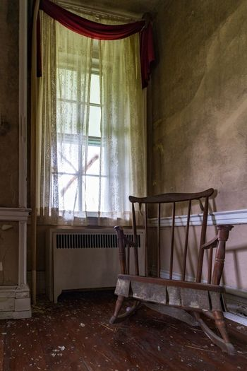 Abandoned mansion. Property has bee demolished for a natural gas line soon. Abandoned Architecture Old-fashioned Curtain Farmhouse Antique Architectural Feature Retro Styled EyeEm_abandonment Mansion Interior Decay Urban Exploration Abandoned Houses Demolitionbyneglect