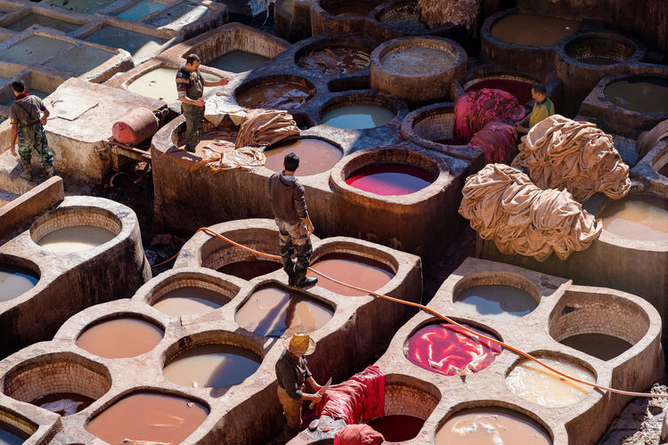 Fes Fez Morocco Medina Moroccan Craftsmanship Morocco Old Town Traditional Craft Travel Colour Dye Fabric Fez High Angle View Medina De Fez Multi Colored Old Old City Outdoors Tannery Traditional Craftsmanship Travel Destinations Working