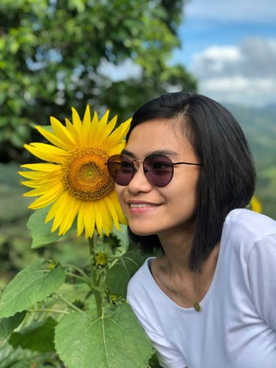 Sunflower Yellow Flower Cebu Sirao Philippines Flower Flowering Plant Yellow Plant Glasses Freshness Smiling One Person Flower Head Young Women Young Adult Nature Sunglasses
