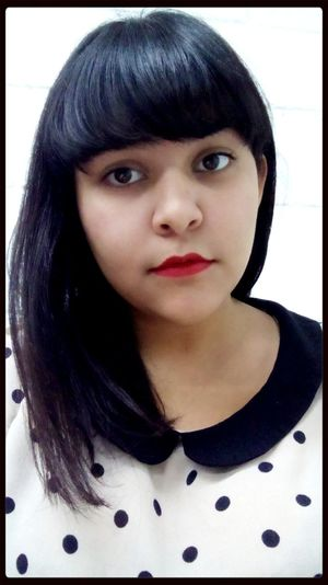 I can't explain but I wanna try. Selfie Polka Dots  Red Lipstick Peter Pan Collar