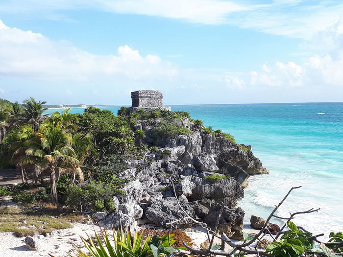 Ruinas arqueológicas Sea Horizon Over Water Mayan Ruins Travel Destinations Vacations Beach Water Cloud - Sky Day Outdoors No People Nature Beauty In Nature