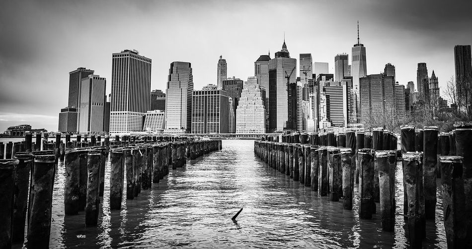 Highway to Manhattan Landscape Bestoftheday Photography EyeEm Best Shots Beauty In Nature Photooftheday New York Manhattan Architecture Built Structure Building Exterior City Skyscraper Water Office Building Exterior Travel Destinations Cityscape Building Financial District