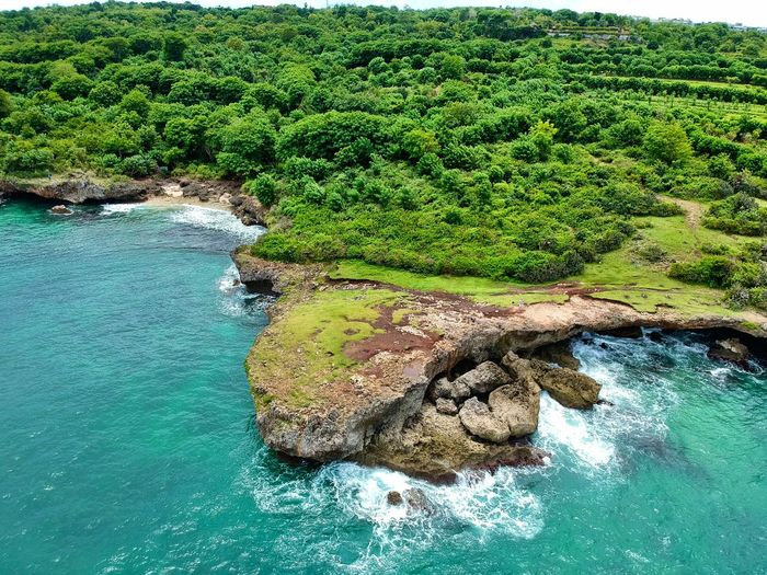 Wallpaper Eyem Best Shots Wasser Splash Drone  Eyemphotography Coast Cliff Nature Travel Photography Infonesia Bali Nature Beauty In Nature Water Scenics Green Color Tranquil Scene Tranquility Rock - Object High Angle View No People Sea Tree Outdoors Day Plant Beach Landscape Sky