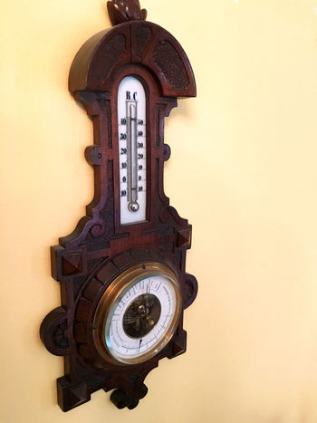 Barometer Air Gauge Antique Barometer Instrument No People Pressure Retro Styled Weather Weatherstation