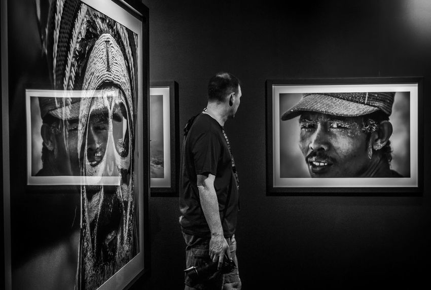 Picture Frame Exhibition Portrait Looking Indoors  EyeEm People Fujifilm Photooftheday Shadow And Light Eyeem Philippines FUJIFILM X-T1 Fujifilm_xseries Fujifilmme Fujifilmph Imagebytawpee Telling Stories Differently Blackandwhite Monochrome Blackandwhite Photography