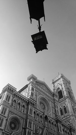 Santa Maria Del Fiore Blackandwhite Bestcity Architecture_collection Sky Florence Italy Beautiful City Beautiful View Point Of View Urbanphotography Streetlamp Cattedraledisantamariadelfiore Oldcity Morning Details Beauty Everywhere 7:00am Good Morning Florence Florence ıtaly Picoftheday