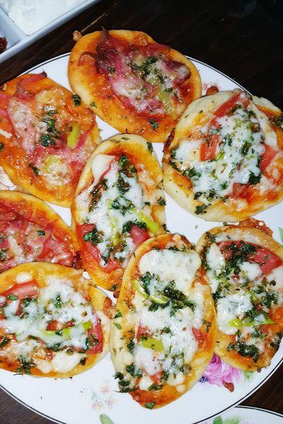 Nonvegetarianand Vegetarian Minipizza Italian Food Italy🇮🇹 Foodphotography Handmade Food Turkey Izmir