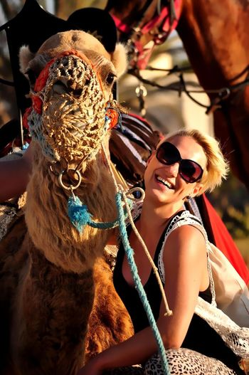 #Tunesien #travelphotography #happy #Enjoyinglife #Vacation #fun #summer #colors #colorful #photography #laughing #JustMe #travel #camel Sunglasses Women Portrait Sunlight Outdoors