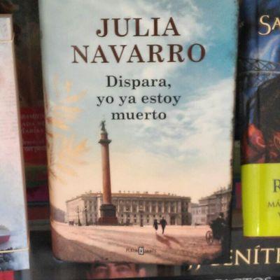 Titulos cautivadores. Literatura vitrina en una pequennia libreria de Leganés Madrid