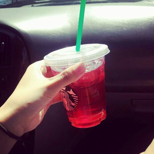 First time trying this :o Passionfruittea Starbucks