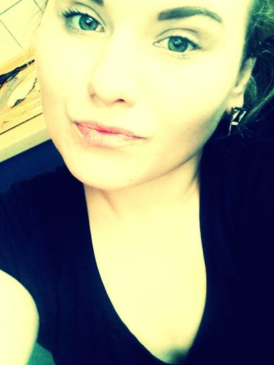 Nomakeup Green Eyes Kisses Hello World Chilling Selfie ✌ Check This Out That's Me Ungeschminkt Taking Photos #JL ♡♥