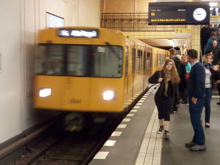 U-Bahhof Friedrichstrasse Berufsverkehr Mode Of Transport Public Transportation Railroad Station Railroad Station Platform Train - Vehicle Transportation