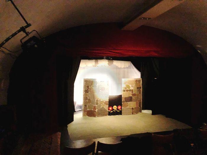 iPhone X Plastische Theater Hobbit in Würzburg. iPhone X plastic Theatre Hobbit in Würzburg. Theater Indoors  Architecture No People Day