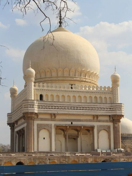 Tomb of Mohammed Quli Qutb Shah, Hyderabad, India