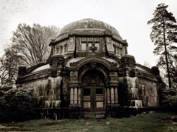 Mausoleum Creepy Haunted Architecture