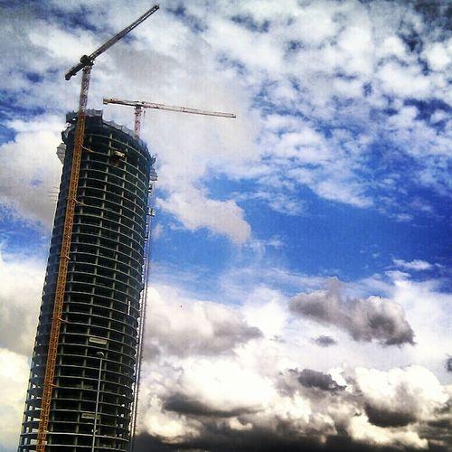 Torre Pelli Architecture