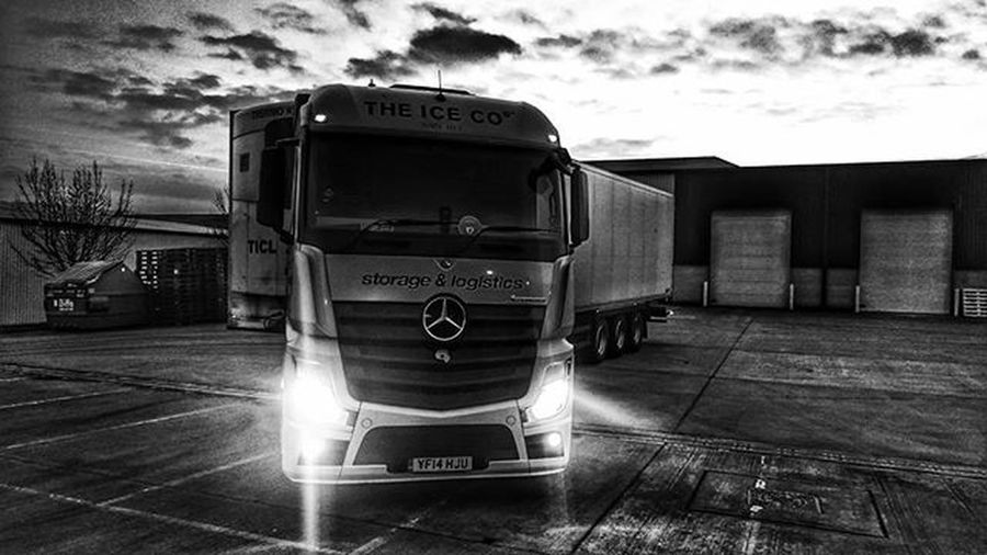 Mercedes Actros Truck Truckerslife Bandw Leicester Uk Headlights Sky Sunrise Theiceco Coolerthan @pollyice15 @ginnydurdy