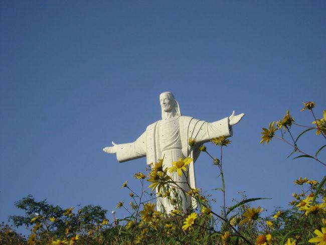 Bolivia Clear Blue Sky Clear Sky Cochabamba Cristo Redentor Flowers Jesus Jesus Christ South America Statue