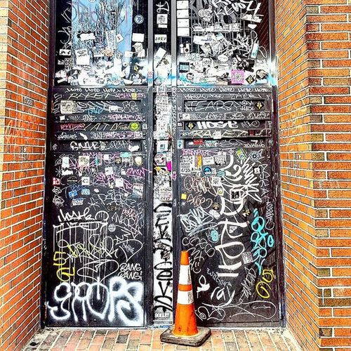 Portland, Maine. Portland Maine PortlandMaine Cone Eastcoast Graffiti Street Streetphotography Streetfashion City Citylife Citylights Johnnylopezthephotographer Lnlphotofarmphotography Johnnyphotos Ulike Youlike Art Artist Photograph Imagine Imastreetphotographer Streetphotography