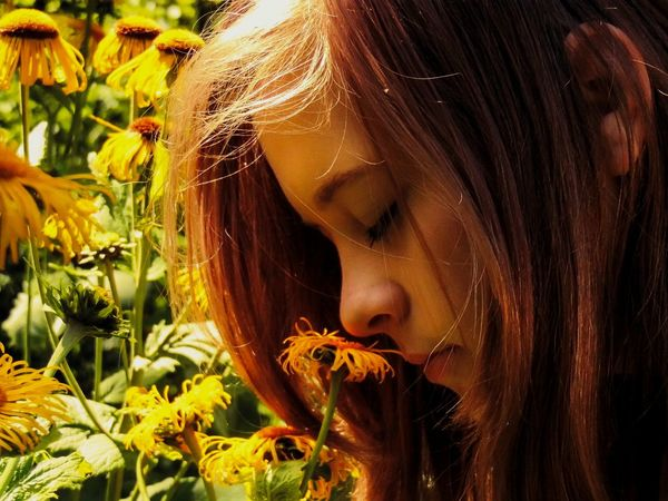 Girl EyeEm Best Shots - People + Portrait Portrait Of A Girl Portrait Of Innocence Portrait Flowers Romantic Smelling Flowers Capture The Moment Picturing Individuality