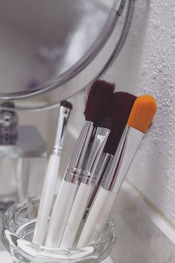 Vanity Make-up Make-up Brush Indoors  Still Life Close-up No People Mirror Focus On Foreground Beauty Beauty Product Blush - Make-up