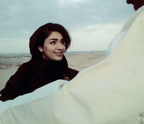 .…………………………………………………………………………………………………… دختر خالم @zahrarahmani1995 گفت:هر کدوم از روزهای نوروز , نماد دوازده ماه ساله... بد و خوب هر ماه از سال تو این چند روز مشخص میشه:-) به جبر و اختیار و سرنوشت و بحثای فلسفی و کلامی کاری ندارم... به عقیده های مختلفم کاری ندارم... به حق و باطل بودنش هم نیییز کاری ندارم... چقدر خوب که ۴روز از نوروز رو به دوست داشتنت مشغول بودم... چقدر این شادی های کوچک رو دوست دارم... صمیمت ها و مهربانی ها و زییایی ها و ذوق ها و خوشمزگی ها و بوهای خوب و صداهای خوب و خبرهای خوب و دردسر های کوچک بامزه را دوست دارم... زندگی آنقدر دوست داشتنی است...که برخی عاشقش میشوند^_- معشوق عاشق کش فریبنده زیبایی است... زندگی ... هدیه خدایی است ک بهشت را به تو وعده داد ... پس زندگی ات را با دقت ببین و درک کن تا بتوانی عاشق بهشت , آن وعده گاه خدایت شوی؛-) پ ن۱:از کجا رسیدیم به کجا:-/ پ ن۲:حوصله ام سر رفته بود...شادی کوچک و سرگرمی کوچک دلم خواس^_^ پ ن۳:پنجره اتاقم^_^ پ ن۴:موسیقی شاد امروز ^_^ saghyaa_sasy mankan پ ن۵:دلم تنگ است... پ ن۶:… گل_پاییزی_من هانیه_سامعی photogrid ۵/۱/۹۵ ۰۲:۰۰ ………………………………………………………………………………………………………