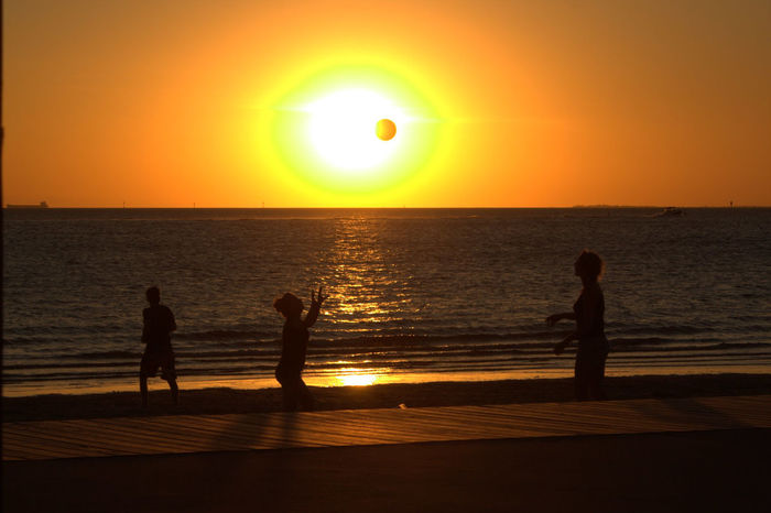 Australianlife Ball Chill Mode Enjoying Summertime EyeEmNewHere Horizon Over Water Melbourne Moveyourbody Orange Sky Outdoors People Perfecttiming Playtime! Real People Sand Scenics Sea Silhouette Summertime Sun Sunsetonthebeach Thewaitinggame Togetherness Volleyball Water