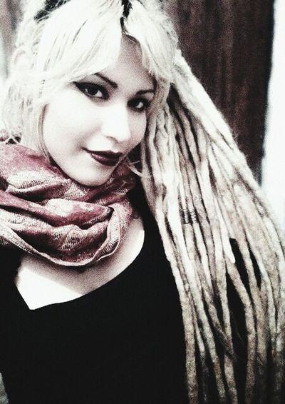 Witch Dreadlock Girl Hi! RockandRoll