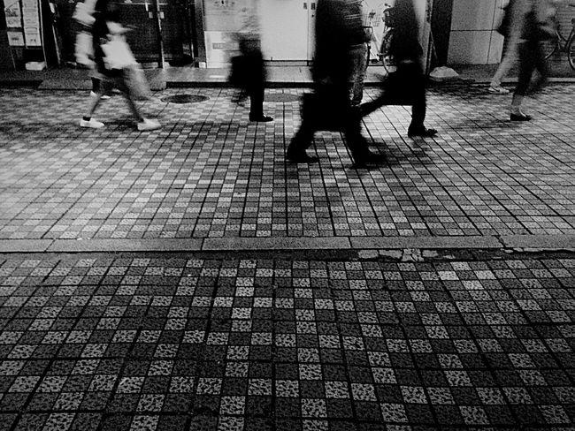 Blackandwhite EyeEm Best Shots - Black + White Black & White Black And White Streetphoto_bw Nightphotography Night OpenEdit People People Watching