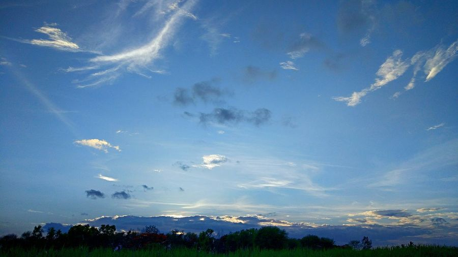 Nature Sky Outdoors Blue Beauty In Nature Cloud - Sky No People Tree Cloudmountain Outdoors❤ Beautiful ♥ Blessings😄 Morningfreshness Evening Photography Lowlightphotography
