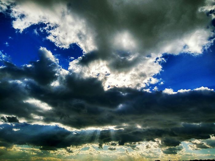 Cloud - Sky No People Outdoors Sky Scenics Day Outdoor Photography Outdoor Smartphonephotography Sky And Clouds Beauty In Nature Light And Shadow Hope Hope And Dream Amazing Eyemphotography Backgrounds Sky Collection Sky And City Skyscape Skyline Sky_collection December Sky Sunlight Sunshine Finding New Frontiers