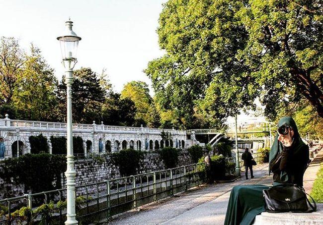 e.ceting_ Just one shot❕ . Vscocam Vscoturkiye Türkiye Vienna Viyana Austria Avusturya Wien Stadtpark Stadtparkwien Happyday Travel Traveling Österreich Have A Nice Day