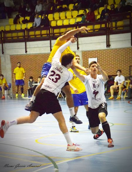 EyeEm Selects Women Fotography Handball Is My Life Handball Fotografie Basketball - Sport Endurance People Basketball Player Scoring Adults Only Indoors  Stadium Competition Full Length Competitive Sport Sport Young Adult Adult Challenge Activity Only Men Motion Sportsman Sports Clothing