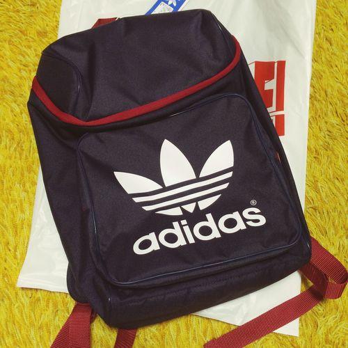 adidasのリュックやったあああ!!紺色と渋めの赤色。ABC-MARTで前から狙ってた。結構安くなってた。 Adidas アディダス Rucksack Knapsack Backpack リュックサック