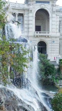 Statues And Monuments Fontain Fontains Architecture Built Structure Building Exterior Water Outdoors No People Spraying Day