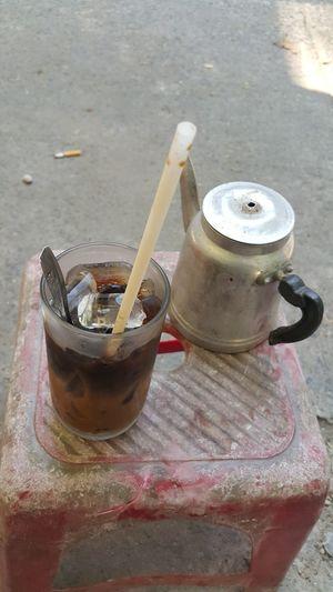 Pavement Coffee Coffee ☕ Coffee Time Coffee Shop Coffee Outside Dirty Coffee Cups