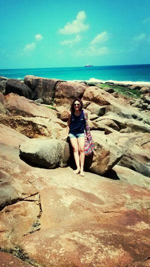 """"""" E o azul do céu é de uma beleza que caçoa """" *_* *-* Stones Blue Sky Sea Nature"""