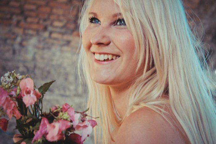 OneYearAgo Funtimes Flowers Summer ☀ Blonde Girl