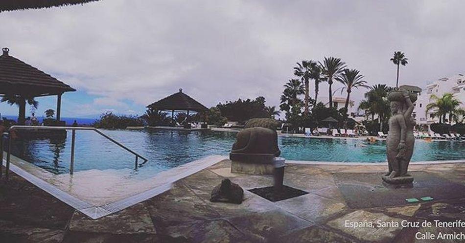 ***Feliz puente del pilar piscineando en Tenerife Islascanarias Canarias SPAIN Turismo Tusiviajas *** :) @tusiviajas