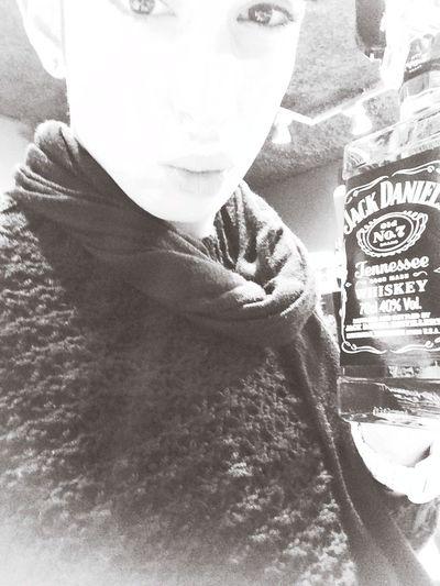 Alcool  Gay Boy Homo  alcool ne résous pas les problèmes mais le lait non plus cela dit