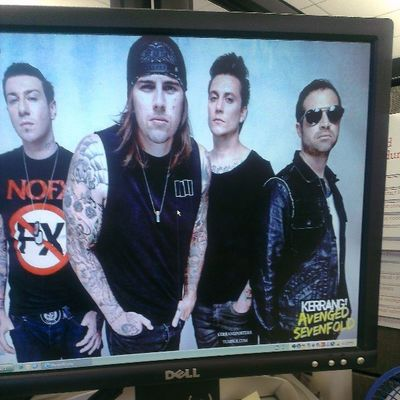 Mshadows you are so Fucking sexy with that long hair! Rawr A7x Avengedsevenfold