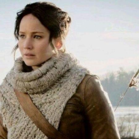 She's so perfect. [Katniss Everdeen TheGirlOnFire Jen THGthehungergames ]