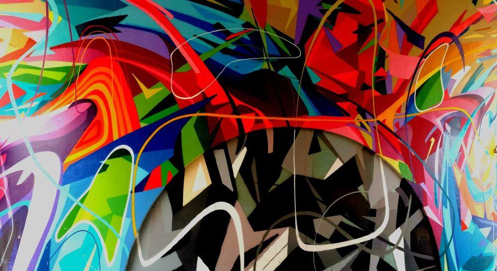 Cuando el final del día se resume en dos palabras.. Soy feliz Reflexiones Felicidad PlaceresDeLaVida EyeEmBestPics Graffiti Colorful Streetphotography Streetphoto_color Graffitiporn Graffiti Art Graffitiart Arteurbano Artecallejero Graffitilover