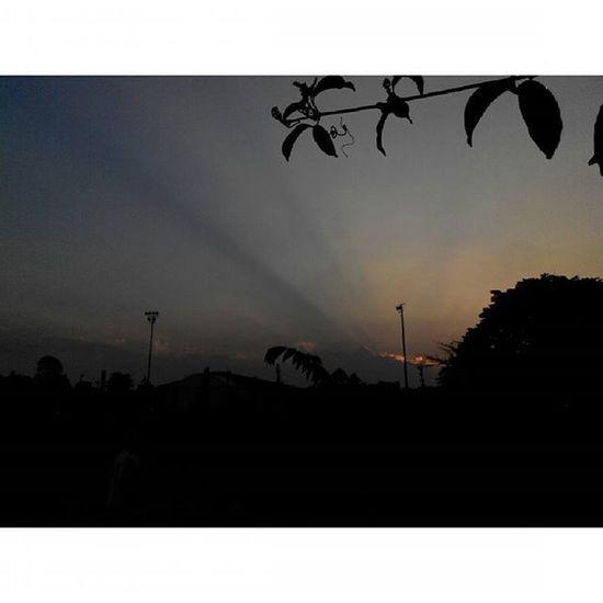 """""""masih ada...masih Jingga """" Senja  Sabuga Bandung Lenovotography Sunset Pocketphotography Photostory Titik_tiga Lzybstrd"""