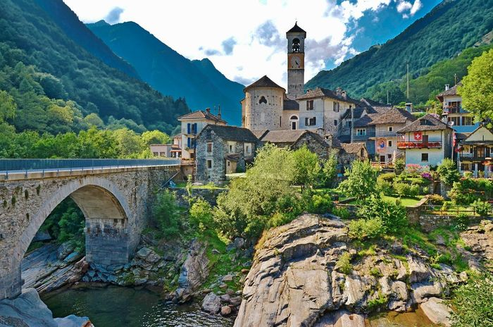Typical village in Verzasca valley, Swizerland Switzerland Ticino Locarno Lavertezzo Old Town Mountain Architecture Mountain Range Travel Destinations Bridge - Man Made Structure Outdoors Built Structure Scenics History Day No People Building Exterior Sky Tree Nature Neighborhood Map